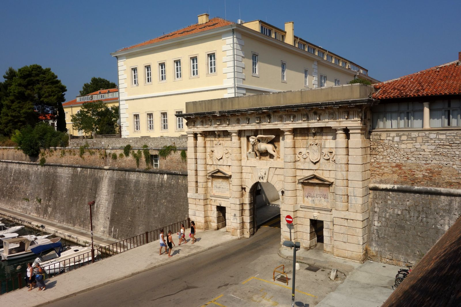 The land gate built by the Venetians